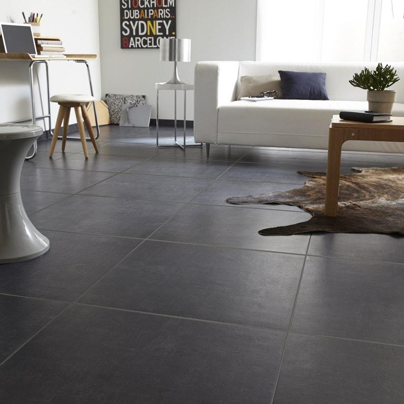 Un carrelage gris foncé anthracite dans un salon moderne | Leroy Merlin
