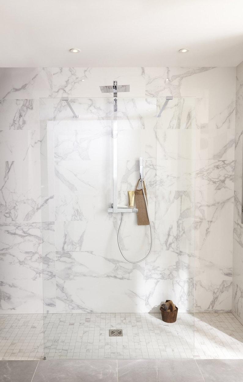 une paroi en verre pour la douche l 39 italienne leroy merlin. Black Bedroom Furniture Sets. Home Design Ideas