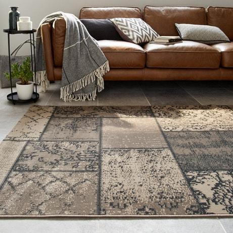 Un tapis version patchwork qui se marie au style du salon