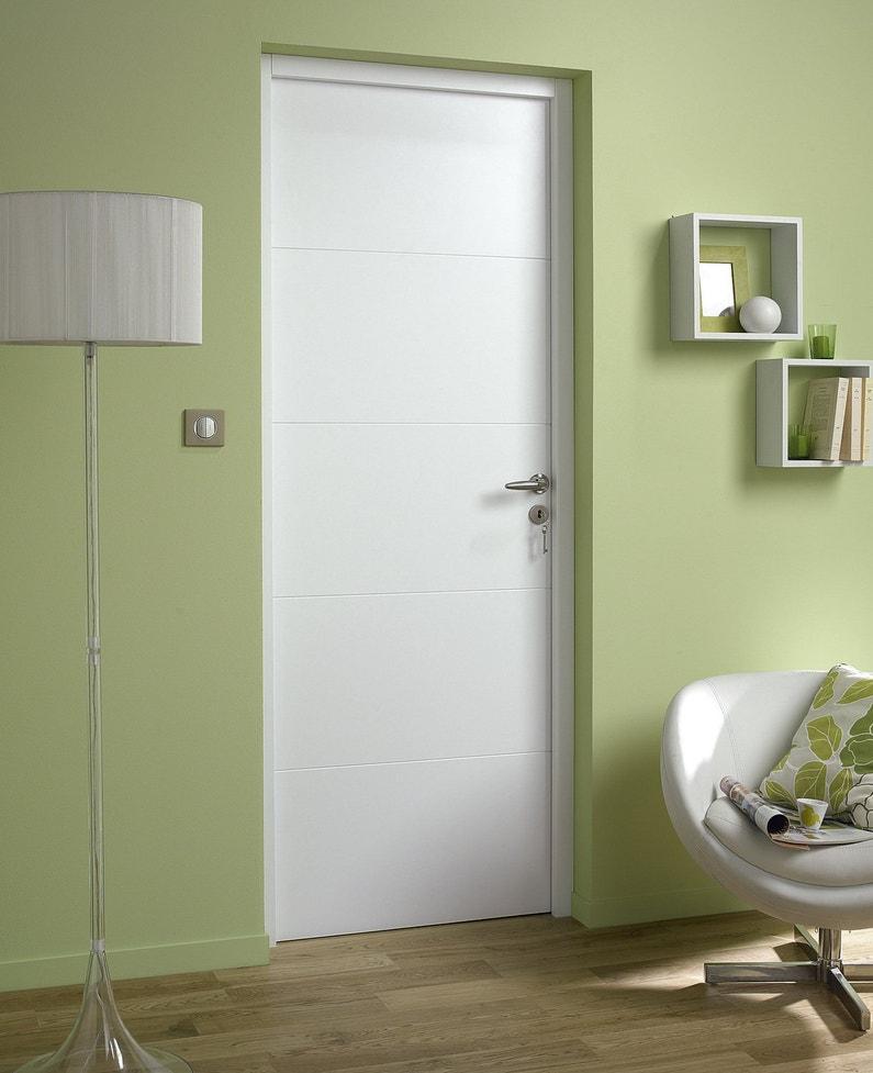 Une porte int rieure blanche adapt e la d co leroy merlin - Leroy merlin decoration interieure ...
