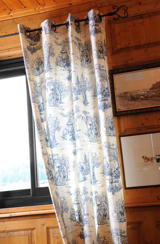 un style romantique avec des rideaux fa on toile de jouy bleu leroy merlin. Black Bedroom Furniture Sets. Home Design Ideas