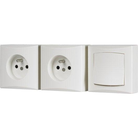 Lot de 1 interrupteur et 2 prises avec terre saillie for Hauteur prise et interrupteur