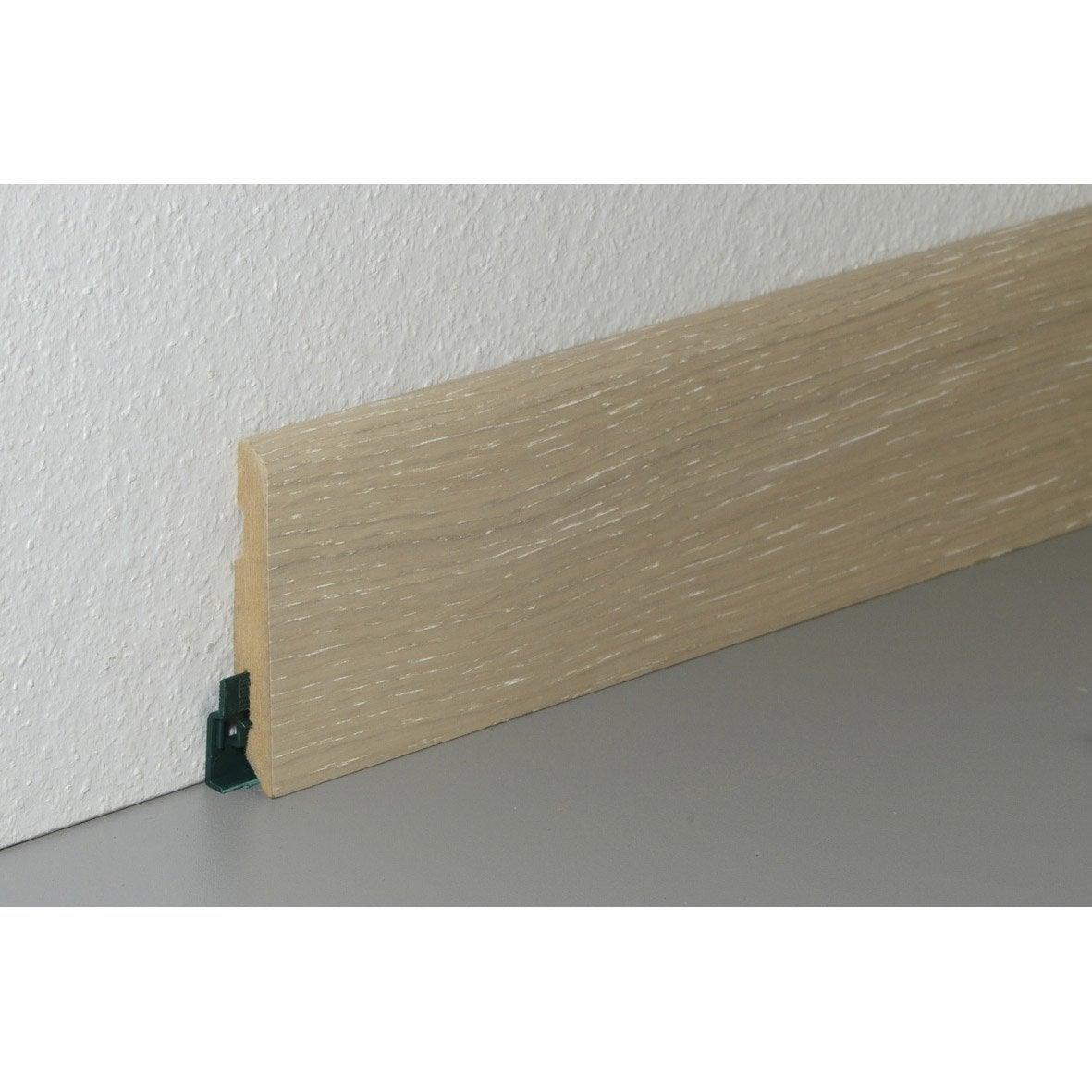 Planche chene blanchi dans un couloir le sol est - Planche chene leroy merlin ...