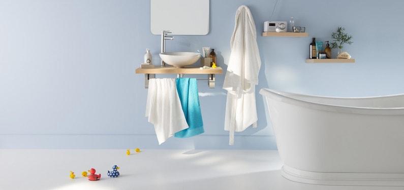 Salle De Bain Bleue Et Blanche : Une salle de bains épurée bleue blanche et bois leroy