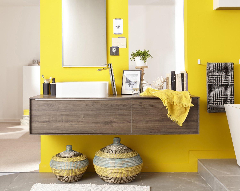 De la couleur vive pour gayer votre salle de bains leroy merlin - Couleurs pour salle de bain ...