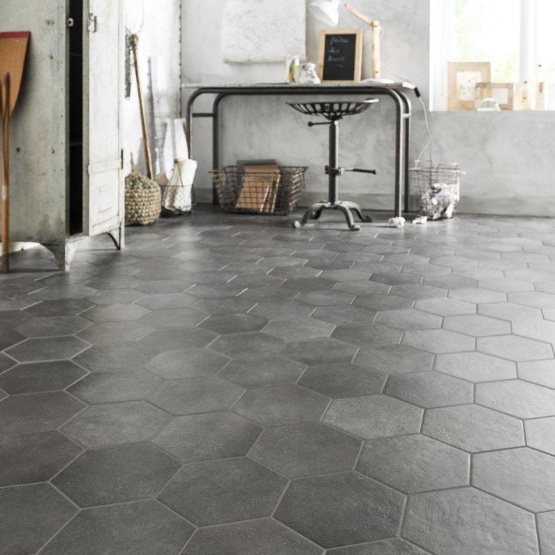 du carrelage hexagonal gris b ton pour un style vintage