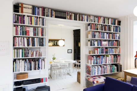 biblioth que des id es originales pour ranger ses livres leroy merlin. Black Bedroom Furniture Sets. Home Design Ideas