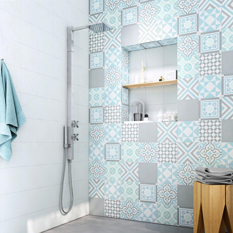 Des carreaux de ciment dans la salle de bains  Leroy Merlin