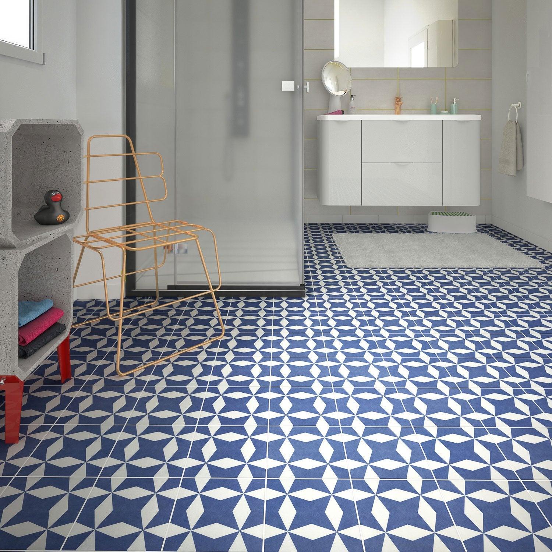 Faience Cuisine Bleu Et Blanc - Plinthe carrelage et tapis de bain bleu lagon