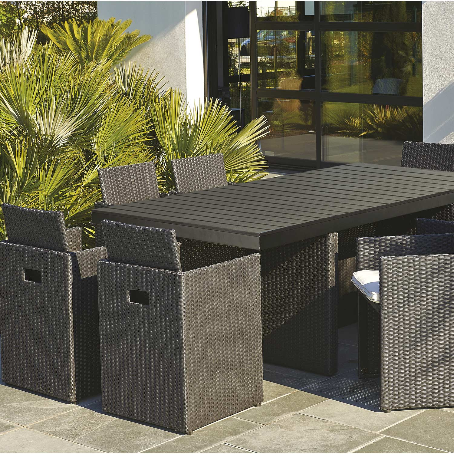 salon de jardin encastrable r sine tress e noir 8 personnes leroy merlin. Black Bedroom Furniture Sets. Home Design Ideas