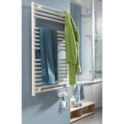 diaporama une petite salle de bains dans la chambre. Black Bedroom Furniture Sets. Home Design Ideas