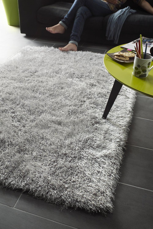Tapis Long Poil Blanc un tapis à poils longs gris esprit cocooning | leroy merlin