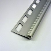 Nez de marche décoratif en aluminium anodisé, chromé, 2.5 m x 10 mm