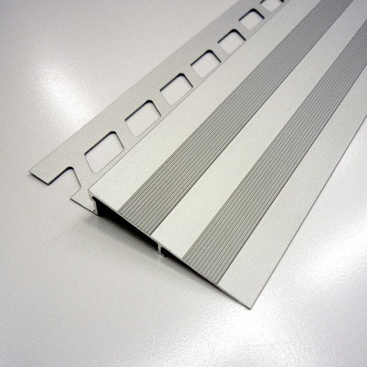 Rampe d 39 acc s sol aluminium anodis l 2 5 m x mm leroy merlin for Rampe d acces caoutchouc