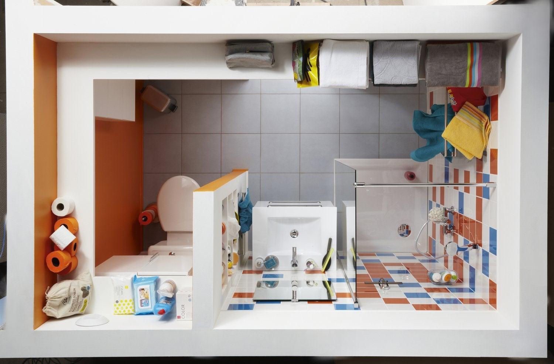Du grand confort dans une petite salle de bains leroy merlin for Petite salle de douche design
