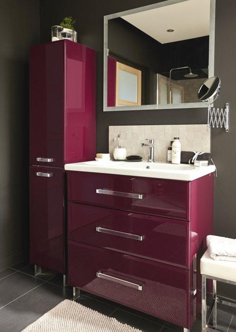 Une salle de bains aux couleurs chaudes