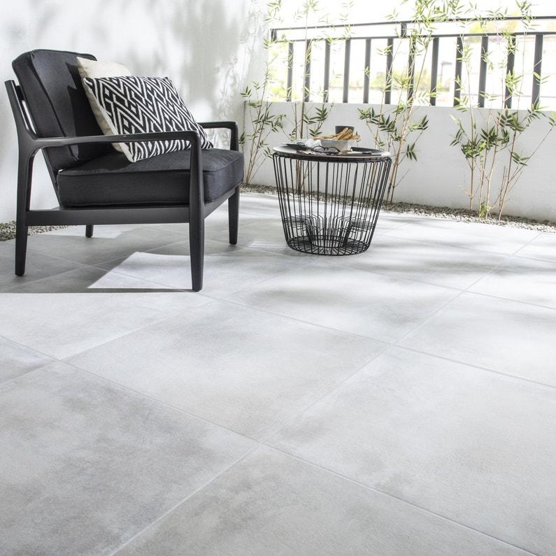 un carrelage de sol ext rieur gris perle style contemporain pour terrasse et balcon leroy merlin. Black Bedroom Furniture Sets. Home Design Ideas