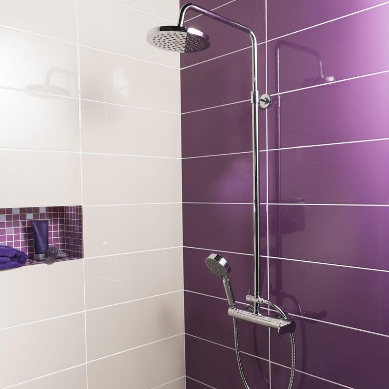 Faience Salle De Bain Moderne Violet : Une douche aux carrelages blancs et violets leroy merlin