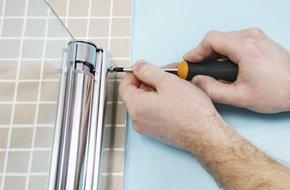 Cabine de douche rectangulaire 110x80 cm loly leroy merlin for Monter une porte de douche