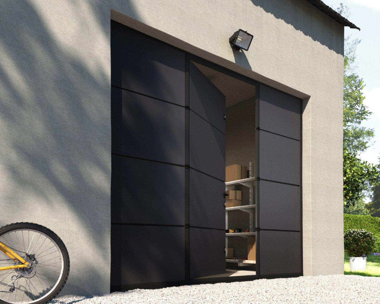 une porte de garage sectionnelle moderne grise avec portillon pour une fa ade moderne leroy merlin. Black Bedroom Furniture Sets. Home Design Ideas