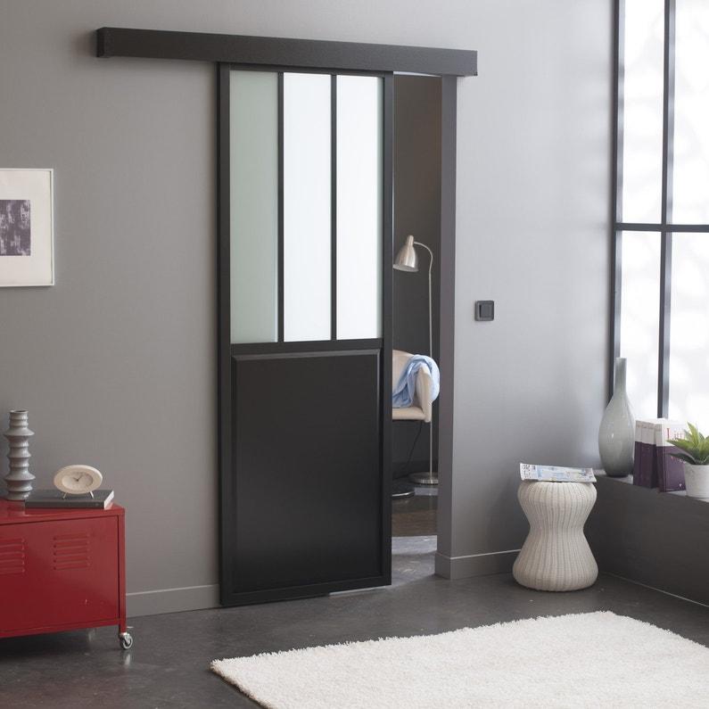 une porte coulissante en applique atelier noir en aluminium pour une d coration industrielle. Black Bedroom Furniture Sets. Home Design Ideas