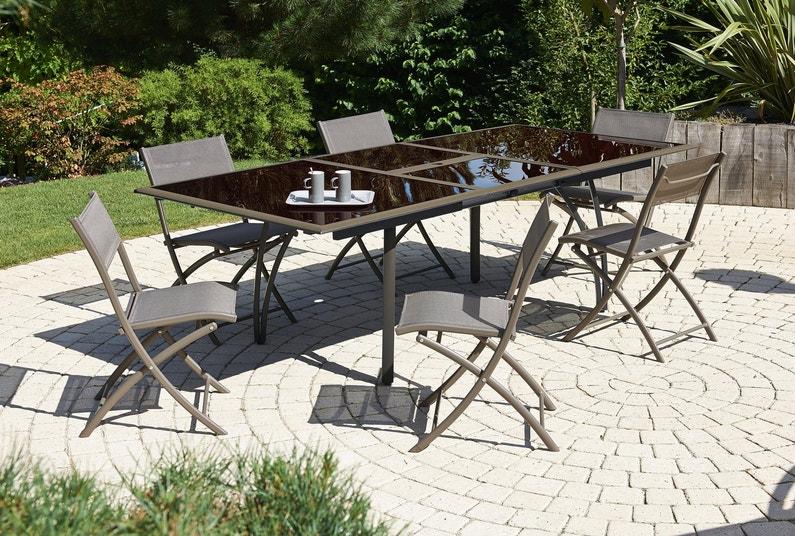 Profiter D 39 Une Table De Jardin Couleur Cappuccino En