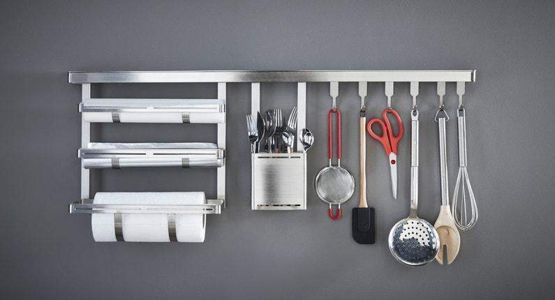 un rangement mural pour vos diff rents outils de cuisine. Black Bedroom Furniture Sets. Home Design Ideas