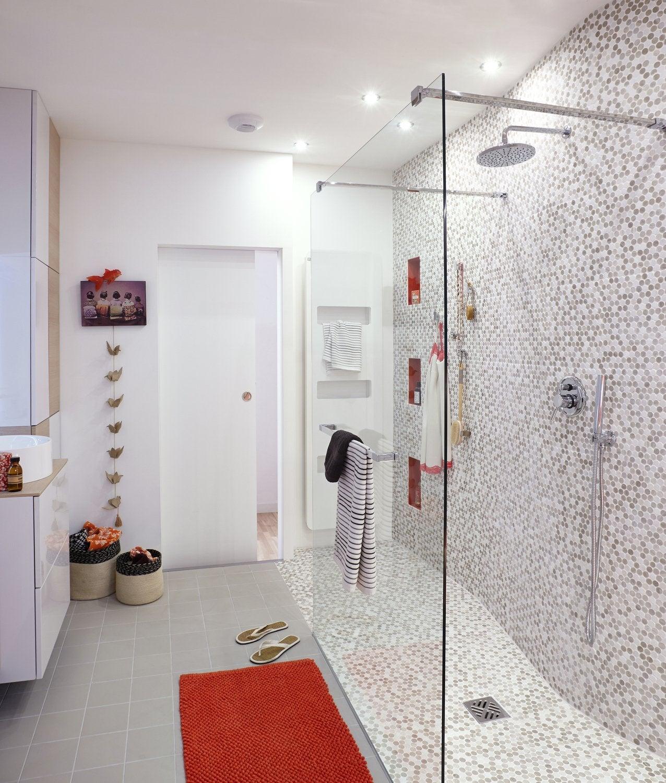Une salle de bains épurée dans les tons naturels   Leroy Merlin
