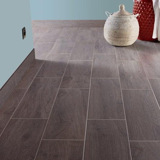 Carrelage sol et mur gris fum effet bois helsinki x for Joint carrelage gris perle