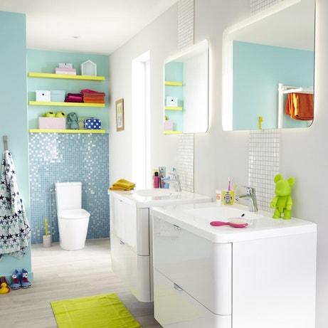 Une salle de bains pour toute la famille