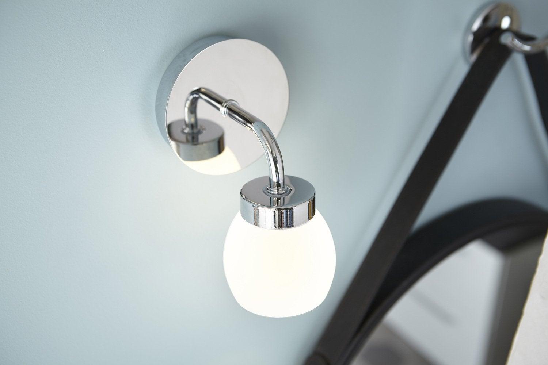 Tout savoir sur l 39 clairage dans la salle de bains leroy for Reglette salle de bain leroy merlin