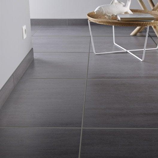 Carrelage sol et mur gris clair effet b ton eiffel for Carrelage 45x45 leroy merlin