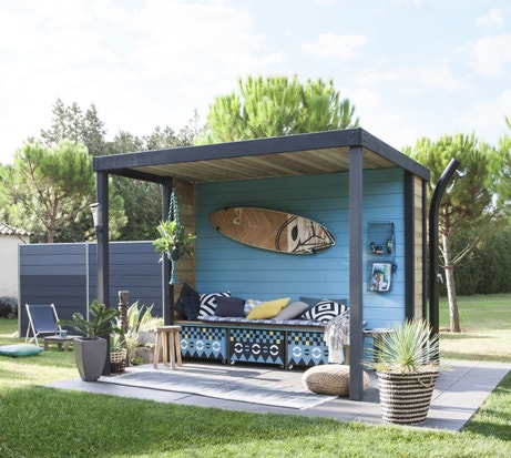 Salon protégé au jardin