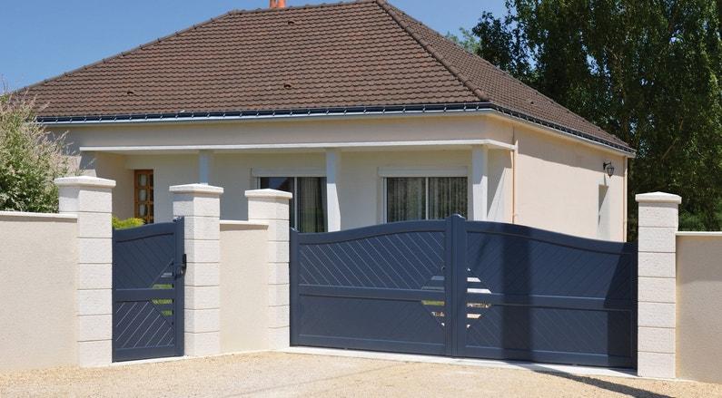 Embellir votre entr e de maison de piliers effet pierre beige leroy merlin - Embellir sa maison ...