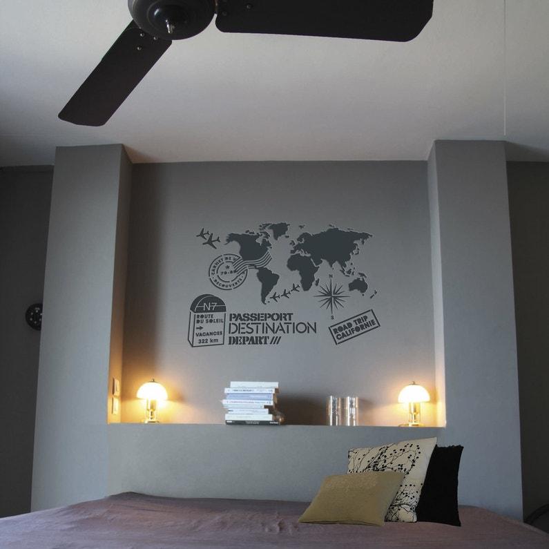 D corer le mur de la chambre avec le pochoir du voyage for Decorer les murs de sa chambre