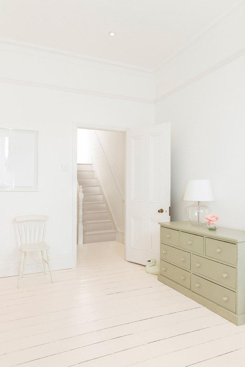 renovez votre parquet avec de la peinture pierre rose. Black Bedroom Furniture Sets. Home Design Ideas