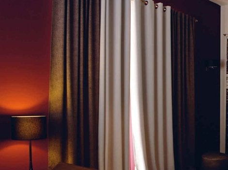 Bien choisir son rideau ou son voilage leroy merlin for Rideau occultant et voilage