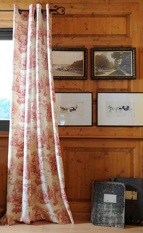 un style romantique avec des rideaux fa on toile de jouy rouge leroy merlin. Black Bedroom Furniture Sets. Home Design Ideas