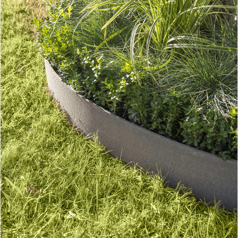 Bordure d rouler borderfix en plastique grise ardoise x cm leroy merlin - Pose bordure beton jardin ...