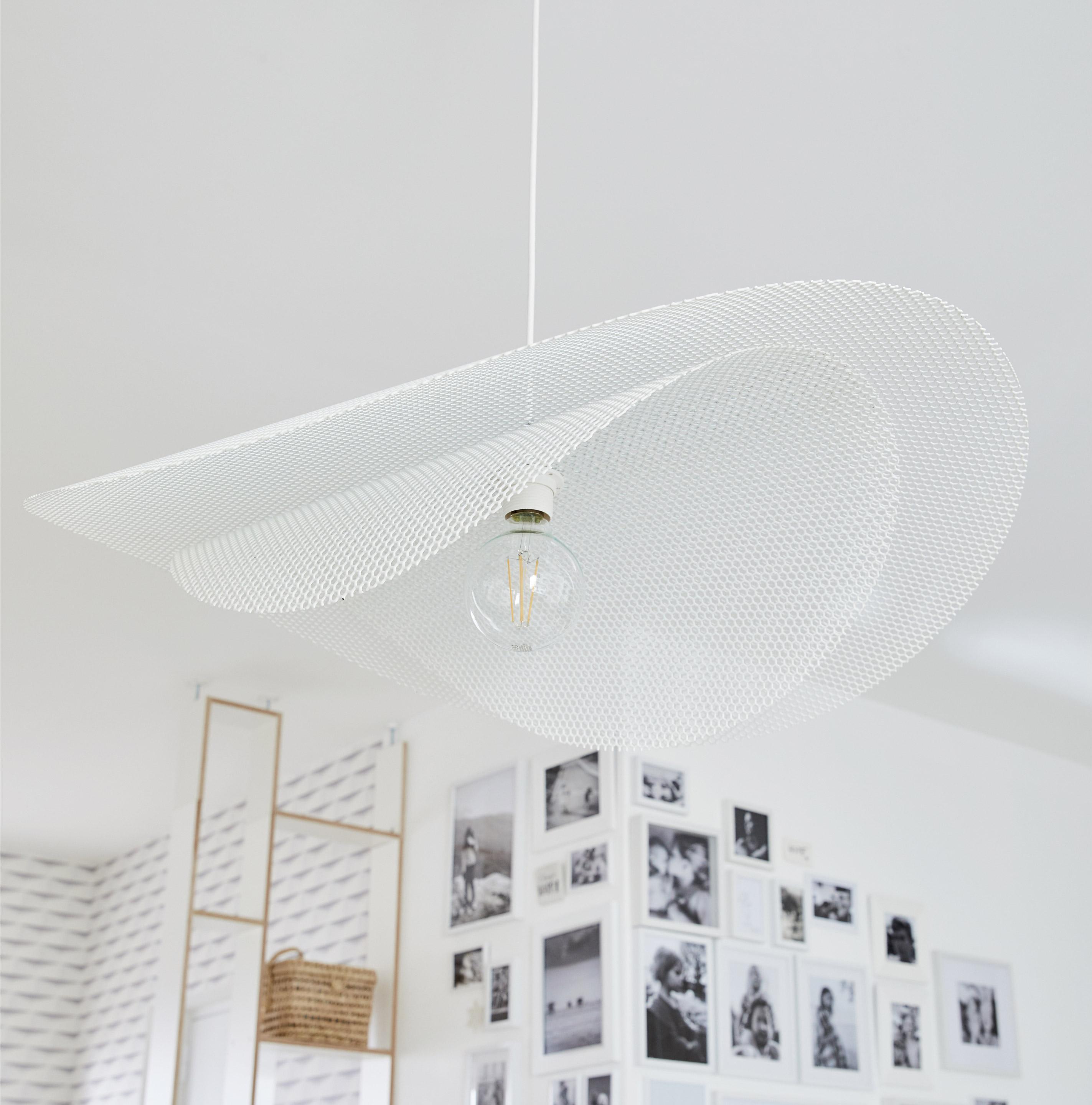 Suspension, design métal blanc METROPOLIGHT Double voile 1 lumière(s) D.78 cm