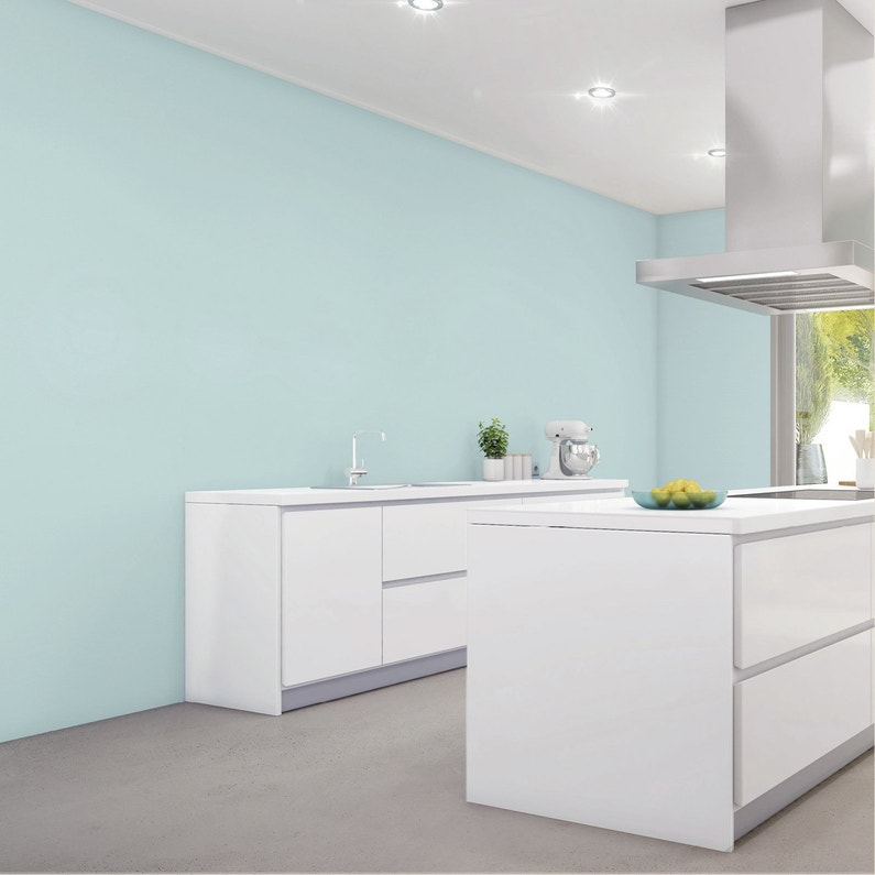 Une cuisine blanche pur e et design leroy merlin for Cuisine design epuree