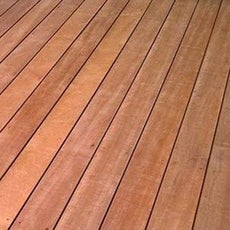 Lame bois pour terrasse et jardin dalle et lame bois for Planche bois exterieur