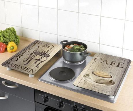 Un cache plaques électriques pour plus d'esthétique dans la cuisine