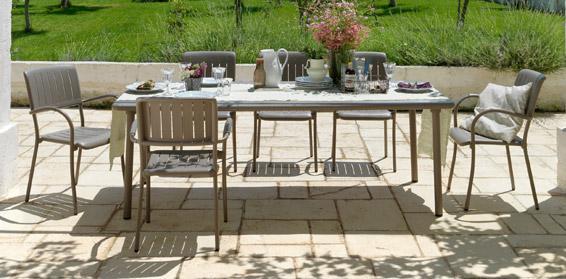 Table de jardin NARDI Maestrale rectangulaire taupe et aluminuim 8 personnes