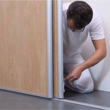 Cours de bricolage leroy merlin - Comment poser des portes de placard coulissantes ...