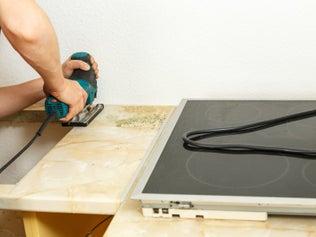 Installer une plaque de cuisson encastrable