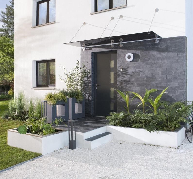 Une fa ade moderne de verre d 39 aluminium et d 39 ardoise for Parement aluminium exterieur