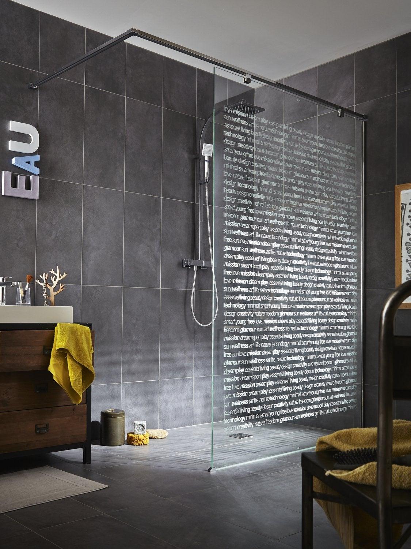 Une Douche à Lu0027italienne Avec Une Paroi Sérigraphiée