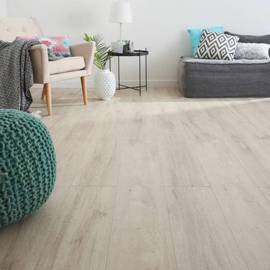 sol stratifi effet ch ne blanchi mm prime leroy merlin. Black Bedroom Furniture Sets. Home Design Ideas