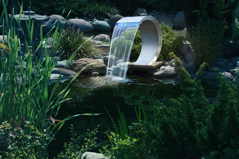 Aménager son point d\'eau dans le jardin avec une fontaine en inox ...